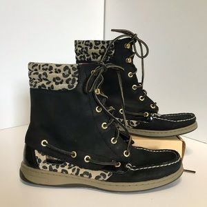 Sperry lace up topsiders